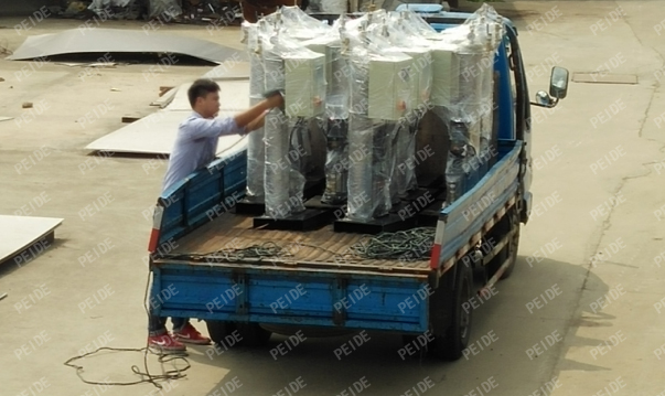 Truck loading pictures of vacuum deaerator1